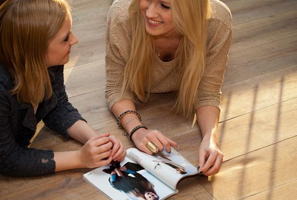 Models auf Fußboden. Foto: KOLLAXO / Schickler